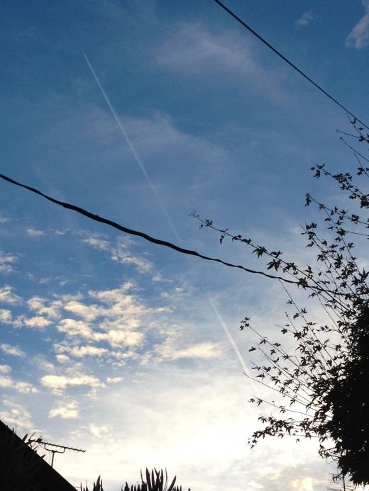 飛行機雲の写真素材02
