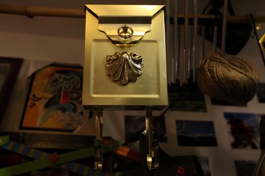 金の壁掛けフックの写真素材