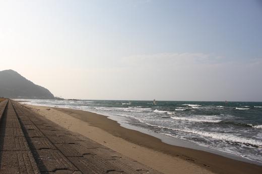 夕暮れの砂浜の写真素材